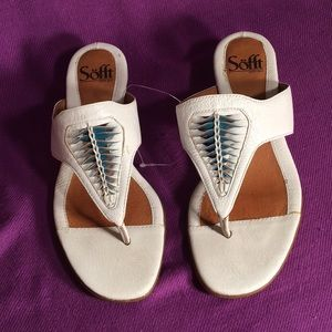 Sofft White and turquoise leather sandals Sz 6